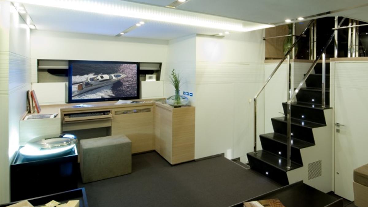 Engineering Solutions - Motor Yacht Cerri 86 FT